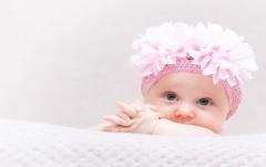 晒娃照片搞笑心情短语 一句话搞笑的晒娃句子加文字 发宝宝照片配个性