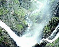 描写瀑布的唯美句子大全 看瀑布壮观景色的心情句子说说短句