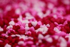 给爱人留言的暖心话 给爱人的甜蜜留言短句