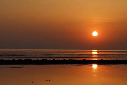 海边朋友圈心情短语 海边照片配简短文字