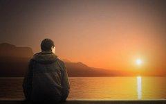 男人心特别累心情压抑的说说 表达男人好累的说说心情