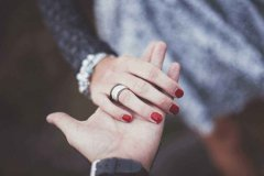 爱情句子表达对方重要 表达很爱对方的短句