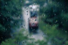 听窗外雨声的唯美句子 夜深人静听着窗外的