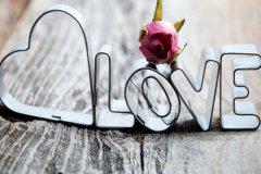 qq说说爱情 qq空间爱情说说带图片