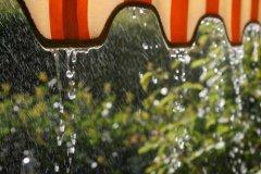 下雨天的心情说说图片 下雨天应景的心情说说