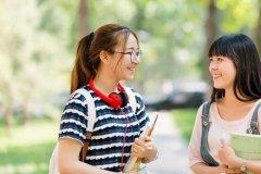 女儿上大学前的祝福语 对大学女儿的经典寄