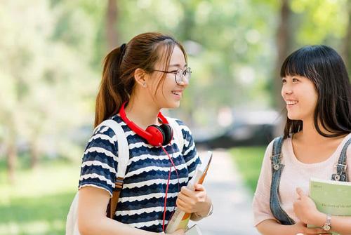 女儿上大学前的祝福语 对大学女儿的经典寄语