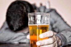 喝酒伤感句子 一个人酒后伤感的句子