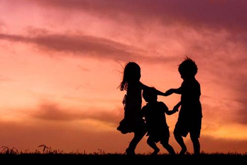 勾起儿时回忆的句子 发朋友圈回忆童年的句子