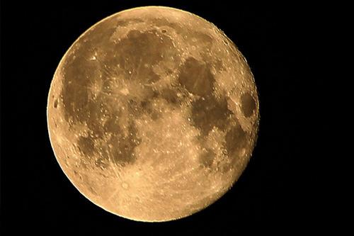 赏月优美句子 描写月亮的唯美的句子