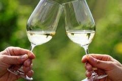 劝不要喝酒的感动话-形容不让女朋友喝酒的句子
