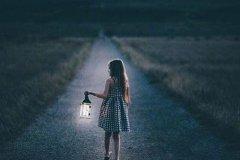 深夜说说伤感的句子-伤感的句子看了都想流眼泪带图片