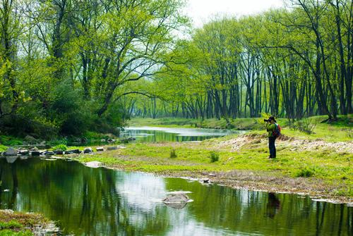清澈的小河像什么-形容小河清澈的句子