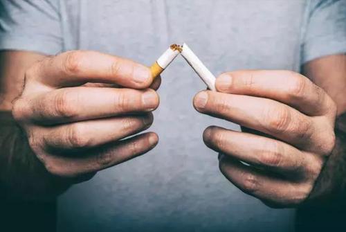 """戒烟幽默句子-关于""""戒烟""""的搞笑句子"""