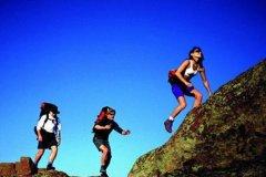 爬山后的感悟简短10个-爬山后很累的幽默句子爬山的感悟简短