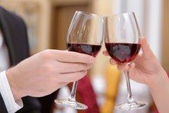 酒桌上最经典的敬酒话-酒桌上最实用的几句