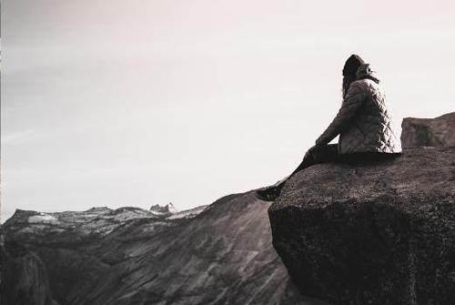 心情压抑不开心的句子-心里闷闷不开心的句子