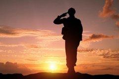 致敬英雄的话语 铭记历史致敬英雄的句子