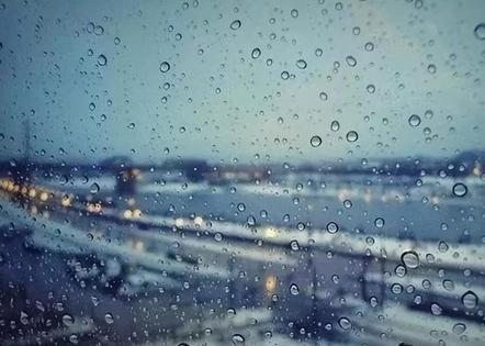 下雨天暖心的一句话 下雨了关心的话暖心