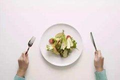 关于吃的说说-吃货说说心情短语大全