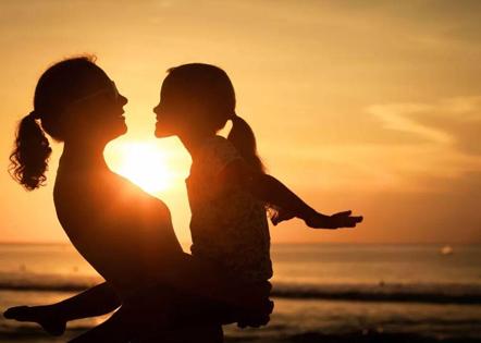 父母鼓励孩子的一段话 家长鼓励孩子的经典语句
