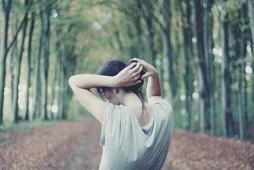 一个人无助的忧伤句子-形容无助的心情的句子